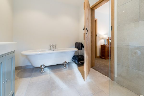 Ribble Valley Holiday Cottages Granary Bathroom